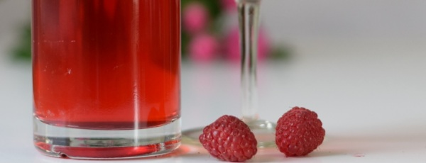 homemade raspberry tonic water