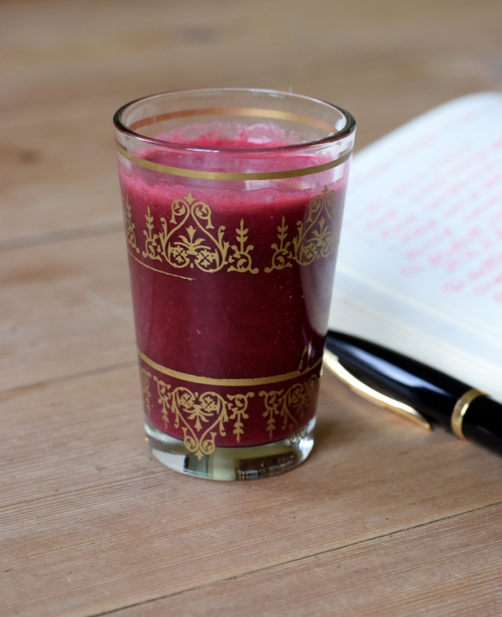apple, beetroot, carrot and mint juice