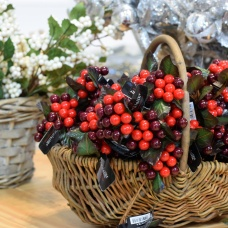 Christmas decoration trends 2017 natural world berries