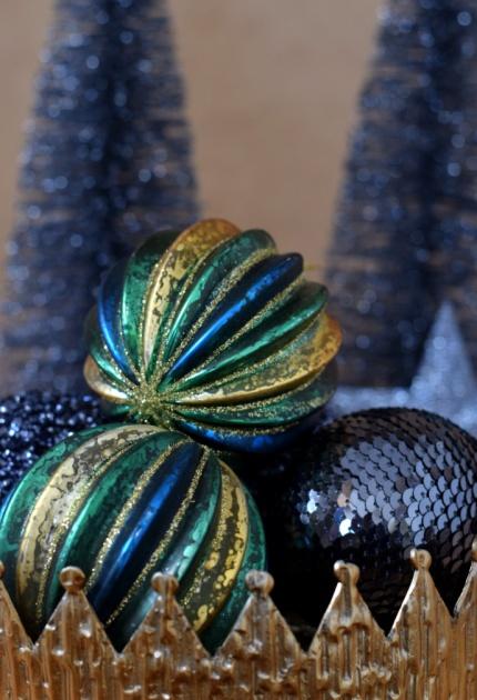 Christmas decoration trends 2017 jewel colours