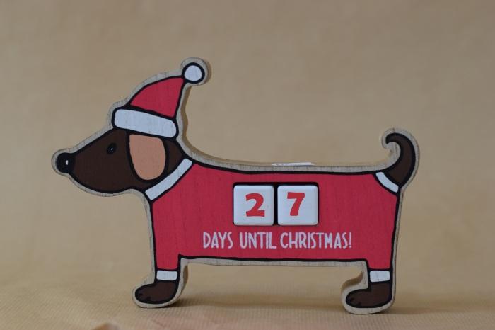 How many days until Christmas festive dog