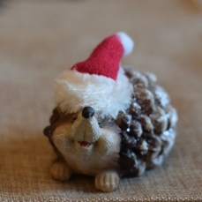 Christmas decoration trends 2017 natural world hedgehog