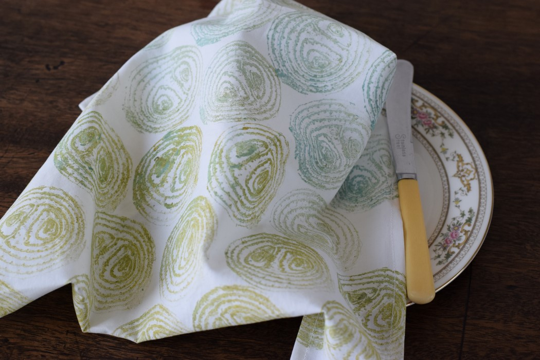 Napkin made with onion printed fabric