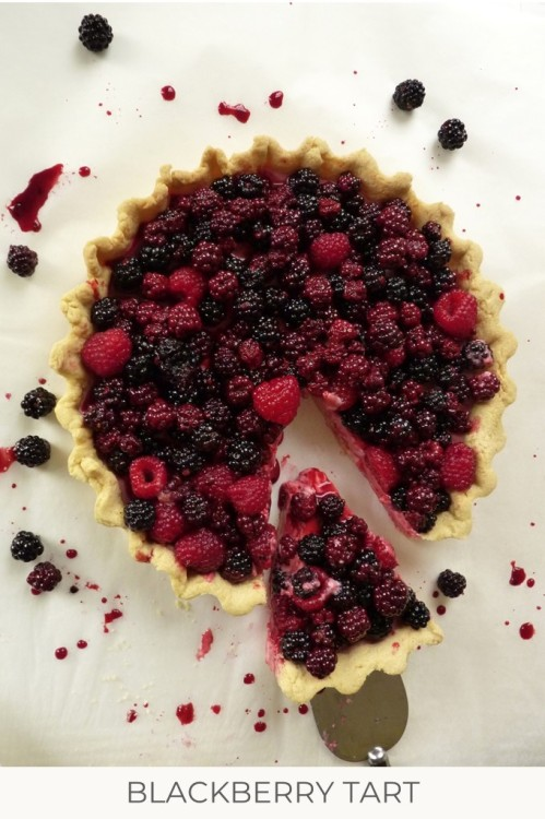blackberry and raspberry tart