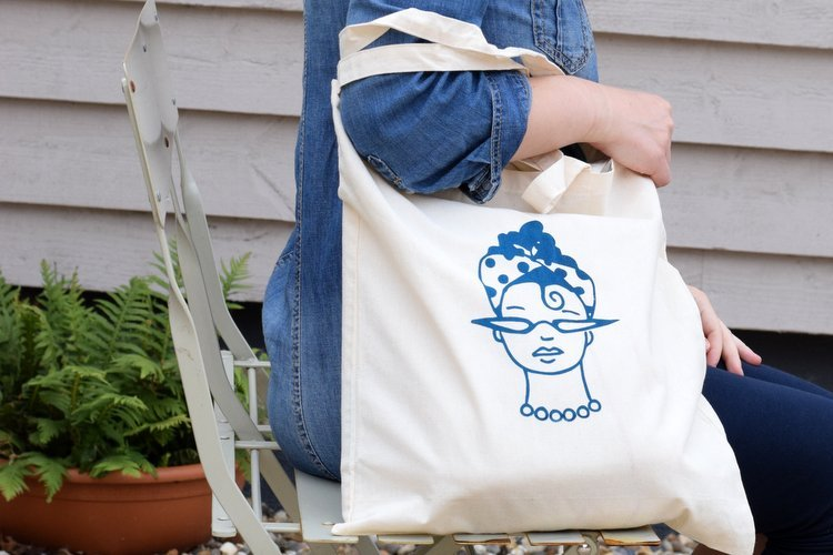 How to Screen Print a Tote Bag with Ready to Print Mini Screens
